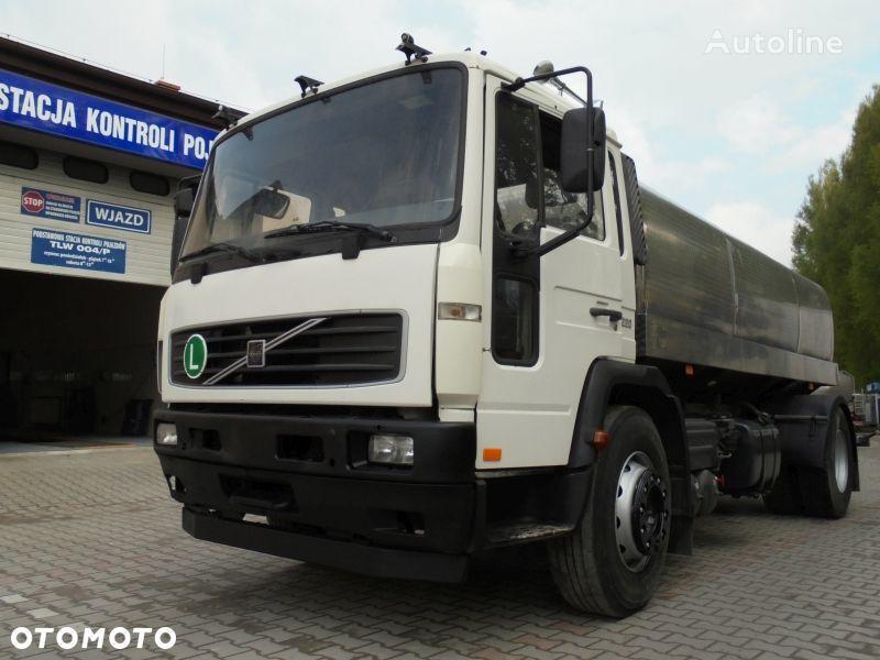 молоковоз VOLVO FL220