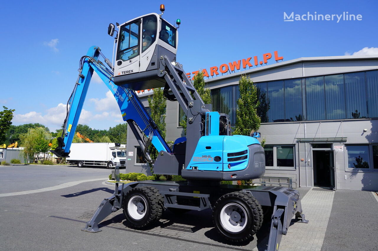 экскаватор для перевалки TEREX MHL 250 , 15t , roto , lift cab , hydraulic outputs , joystick ,