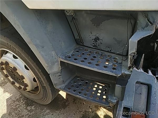 подножка Peldaño Chasis Derecho MAN L 2000 9.225 LLS, LLRS (LE220C) для грузовика MAN L 2000 9.225 LLS, LLRS (LE220C)