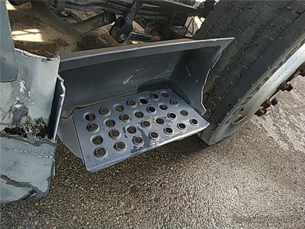 подножка Peldaño Chasis Izquierdo MAN L 2000 9.225 LLS, LLRS (LE220C) для грузовика MAN L 2000 9.225 LLS, LLRS (LE220C)