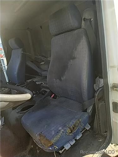 сиденье Asiento Delantero Izquierdo MAN L 2000 9.225 LLS, LLRS (LE220C) для грузовика MAN L 2000 9.225 LLS, LLRS (LE220C)